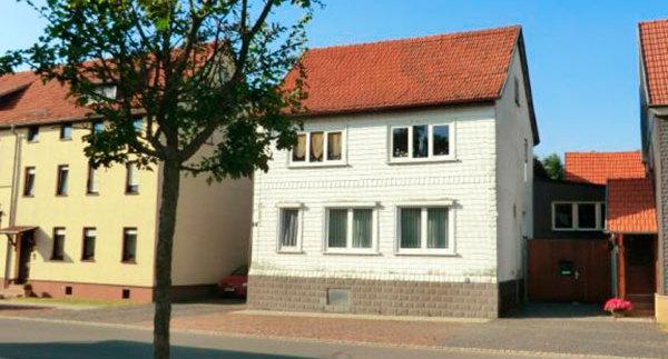 Teilsaniertes Einfamilienhaus in Tambach | *VERKAUFT*
