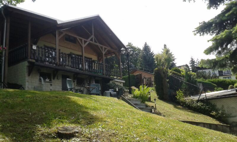 Bungalow mit Wohnrecht und Eigentumsland in idyllischer Lage