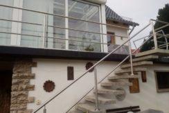 Gepflegtes, freistehendes Einfamilienhaus mit großem Wintergarten und Dachterrasse