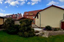 Zweifamilienhaus mit Gewerbemieteinnahme & Garagen – Gepflegtes Anwesen in Erfurt – Gispersleben